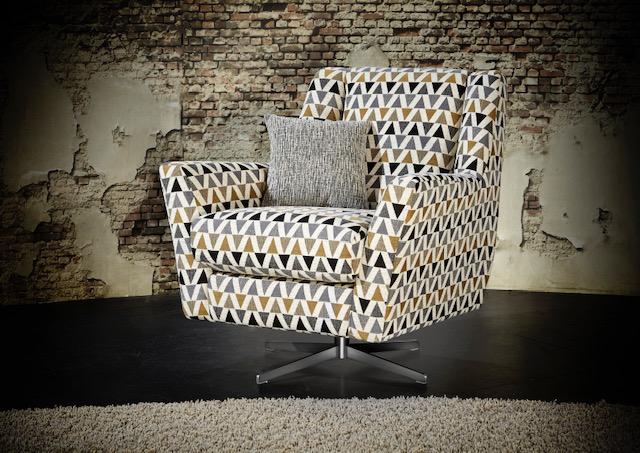 Erinne Twister Chair