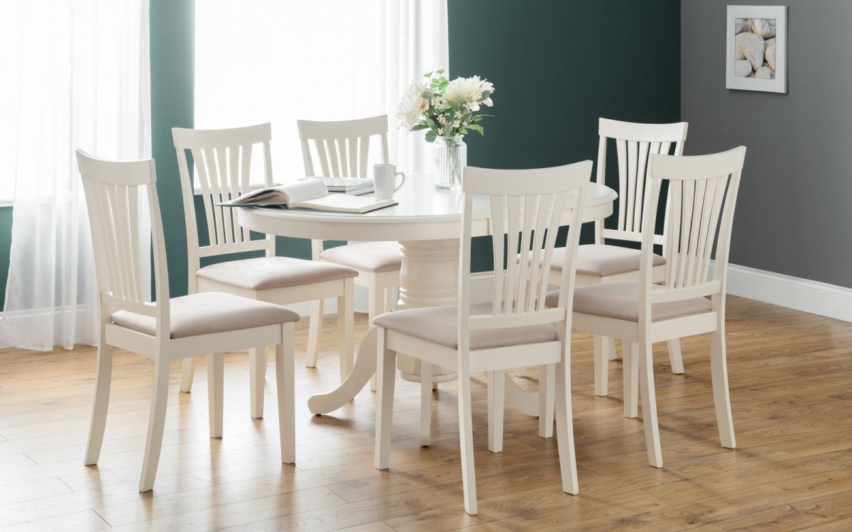 Stamford Table + 4 Chairs
